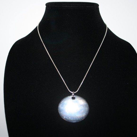 Beautiful silver necklace adjustable